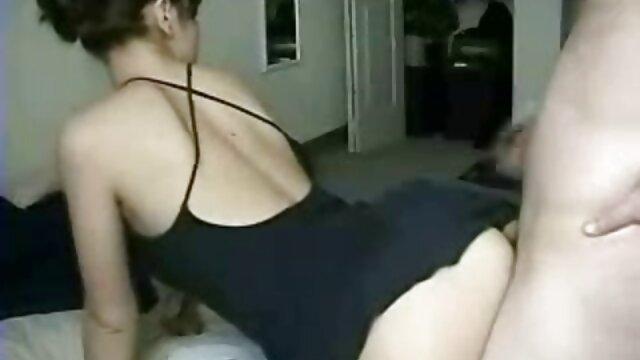 Madura teniendo sexo interracial vídeos xxx latinos con su novio