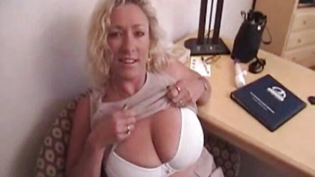 Super Caliente video porno casero latino MILF Mikayla Mendez