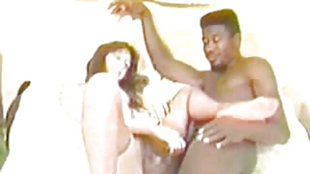 comendo sexo en español latino a secretaria - video porno