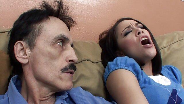 SU HIJA videos de sexo latino casero ES UN PEQUEÑA COCKSUCKER