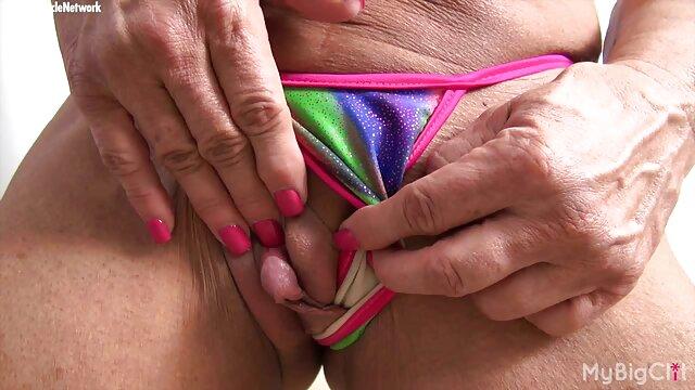Babes - Rubia vestida de lencería se desnuda y sexo latino videos se masturba