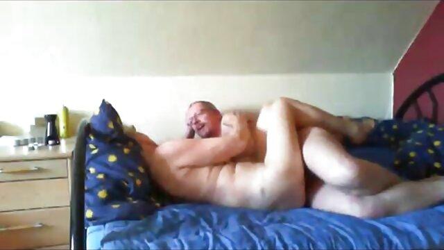 Cavando videos caseros de sexo latino profundamente en sus agujeros