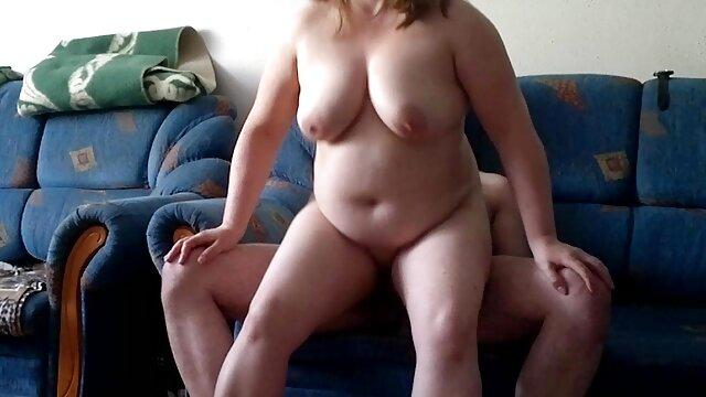 Volviéndose videos de sexo amateur latino hardcore con Sandra Star