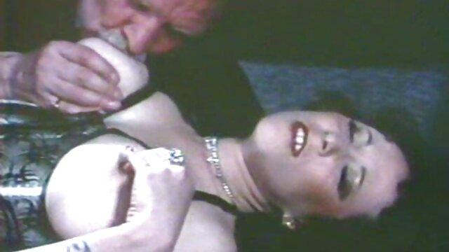 Milf amateur con botas de cuero follando porn casero latino a tope