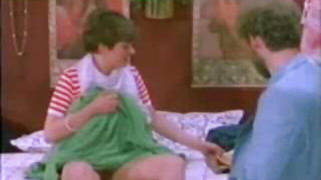 Footsex pervertido videos xxx de hispanas y follando en medias cosidas
