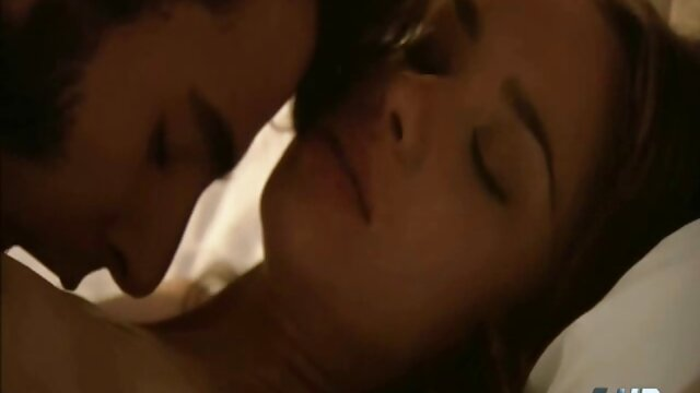 Webcam: Latina de 18 video sexo latinos años montando un consolador (sin sonido)