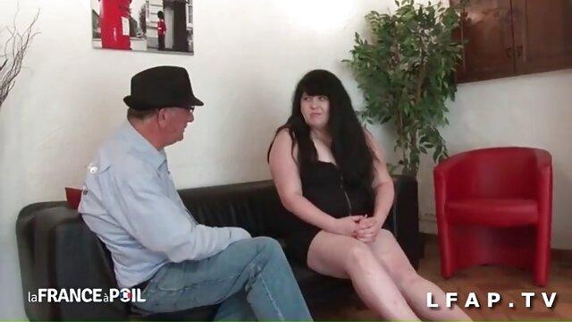 Amigo monta la correa de una nena en la polla amateur porn latino